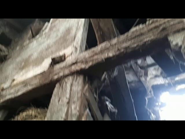 Dos camiones se empotran contra la misma casa en Becerreá