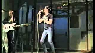 Iggy Pop - Eat Or Be Eaten (live - 1982 - TV-show)