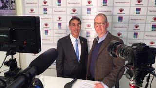 SPS IPC Drives 2015: Dr. Omar Sadi, Getriebebau Nord, im Gespräch mit Lukas Lehmann