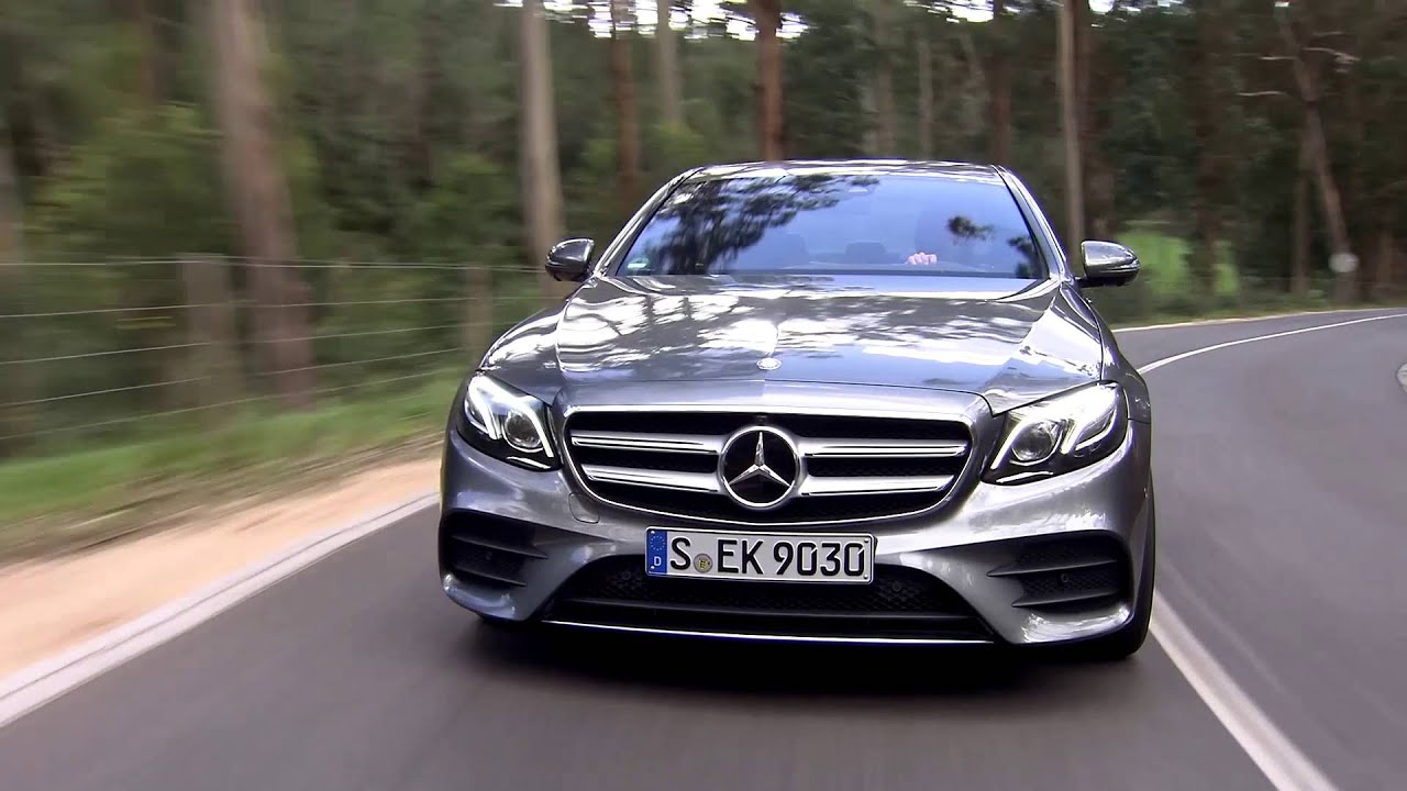 Mercedes C180 Coupe >> Mercedes Benz E 400 4MATIC AMG Line in Selenite Grey Driving Video | AutoMotoTV - YouTube