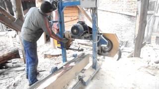 видео ленточная пила по бетону