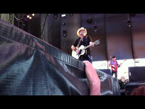 Kix Brooks - Lost and Found in a Border Town (Watershed 2012)