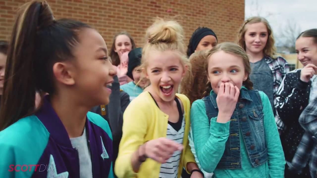 Download GRADE SCHOOL DANCE BATTLE! BOYS VS GIRLS!    ScottDW   We Came To Dance