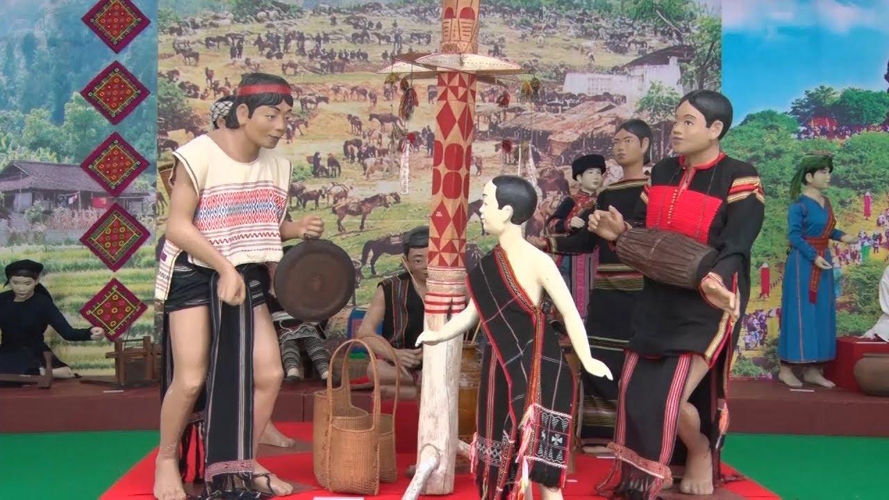 Trưng bày giới thiệu văn hóa, ẩm thực đặc trưng các dân tộc miền Trung