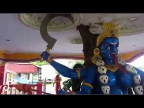 Hindu Goddess Lord Kali's Eyes Moving - Miracle Video Must Watch