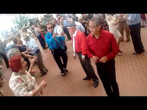 Baile en el Palacio Municipal de Monterrey. San Fernando.
