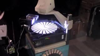 """レトロで近未来的、7台の""""換気扇""""で音楽を奏でる「換気サイザー」"""