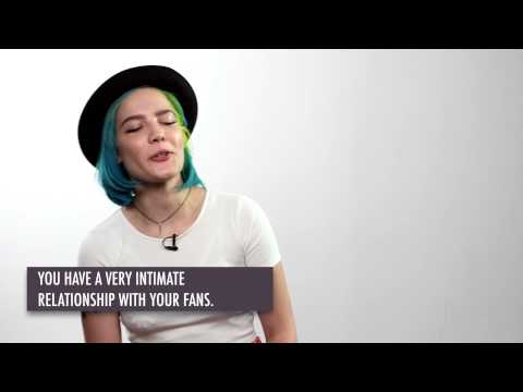 Halsey on Being A Female Artist, Amy Winehouse & Her Fans