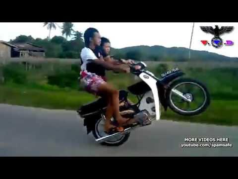 Lệ cay ( môtô bay )