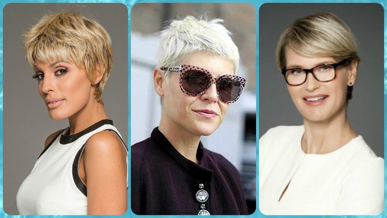 Ultimi tagli capelli corti per donne di 50 anni