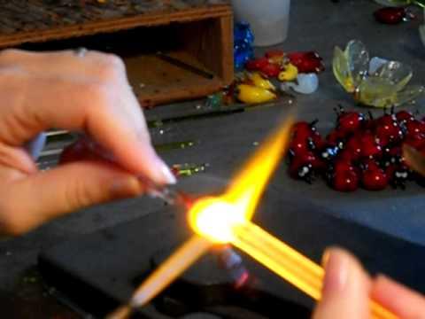 Lavorazione vetro di murano-pesciolino - YouTube