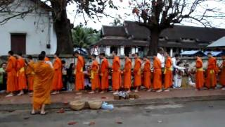 Video Monks in Luang Prabang download MP3, 3GP, MP4, WEBM, AVI, FLV Juni 2018
