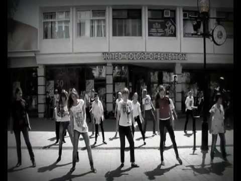 Саратовский флэшмоб в честь Майкла Джексона-Триллер 2