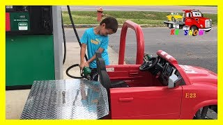 Kid Fixing The Flat Tire Putting Gas/Fuel With His Power Wheel Ride On Flatbed Truck Pretend Play - Stafaband