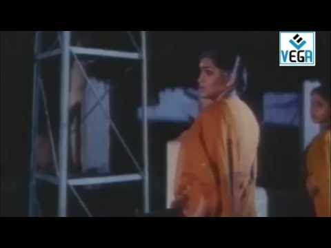 En Pondatti Nallava Movie Song -6