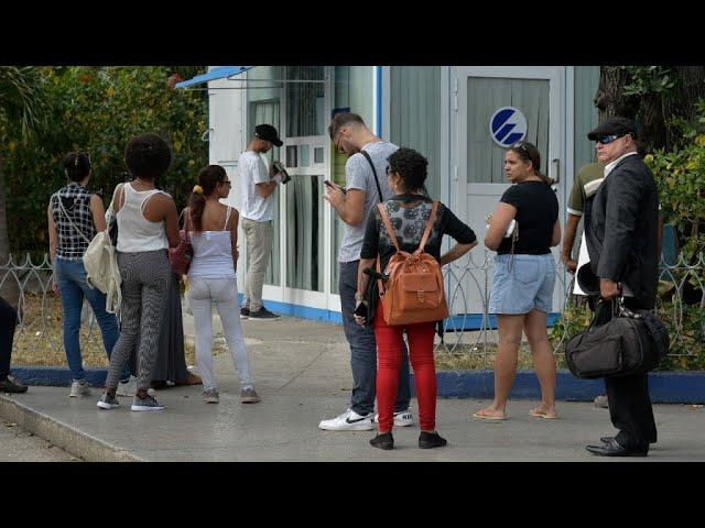 À Cuba, le Wifi