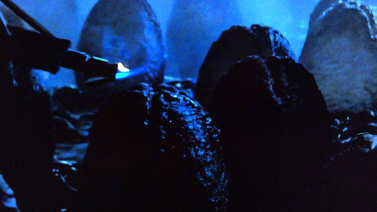7a9fef5f5f9 Alien queen scene full - YouTube