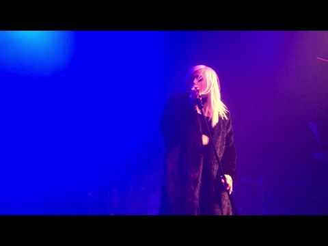 Bebe Rexha - Atmosphere [LIVE]