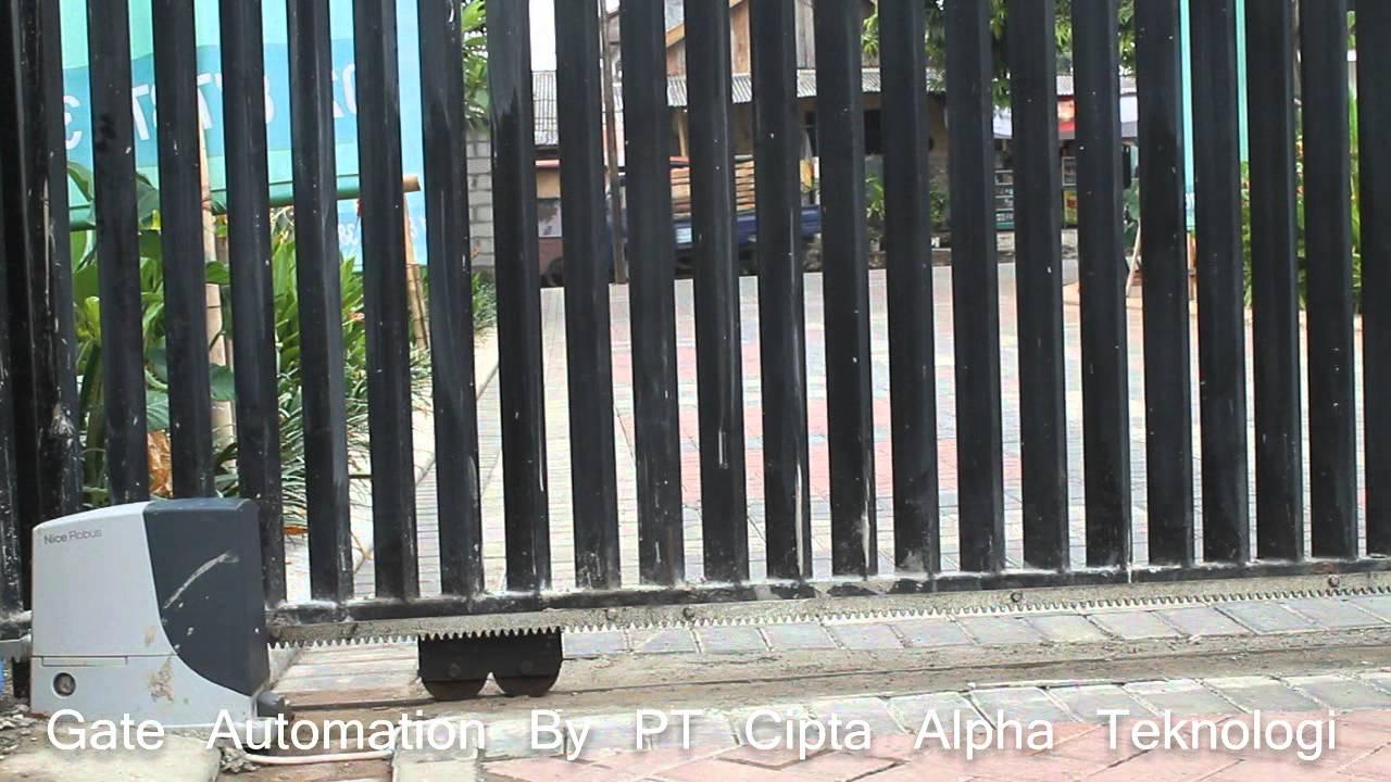 Automatic Gate 001 Pintu Gerbang Otomatis Dengan Remote Control Youtube
