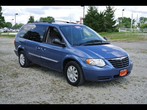 2007 chrysler town and country value