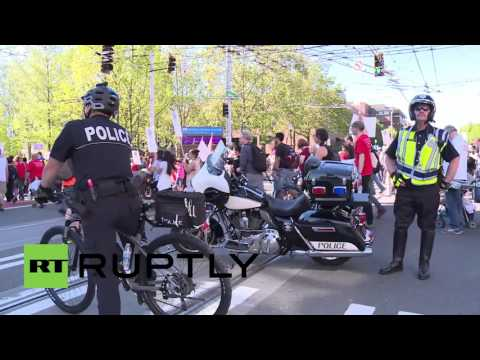 USA: Thousands march through Seattle for labour and immigration rights