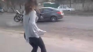 انقلاب سيارة في روسيا بسبب رقصة مثيرة