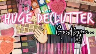 Download lagu ARE YOU READY?! HUGE DECLUTTER... EYESHADOW PALETTES, LIPSTICKS, BLUSHES, LINERS & MORE!