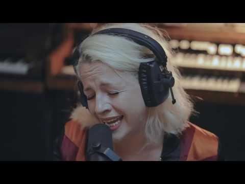 Izo FitzRoy - Red Line (Live Studio Session)
