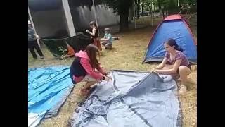 Как установить палатку? Мастер-класс от детей детского лагеря