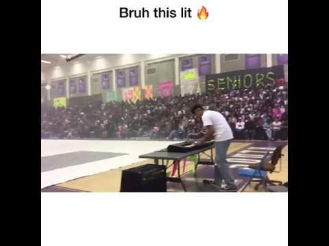 Kid Plays Still DRE ft Snoop Dogg At Talent Show