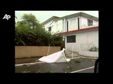 Raw Video: Hurricane Irene Pounds Puerto Rico