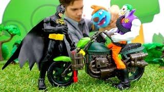 БЭТМЕН против ДЖОКЕРА: магический телепорт. Видео с игрушками для детей(Захватывающий поединок Бэтмен против Джокера! Видео с игрушками про супергероев. Бэтмен находит головолом..., 2016-10-22T08:28:52.000Z)