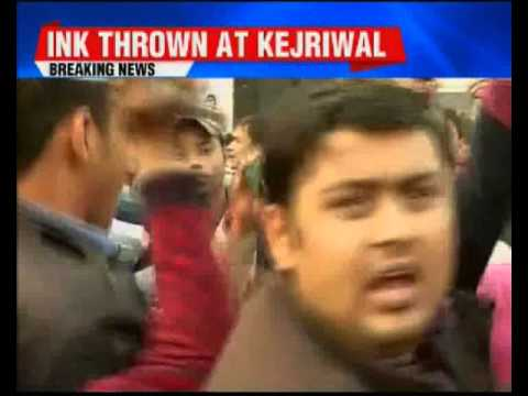 Woman breaches security, throws ink at Delhi Chief Minister Arvind Kejriwal