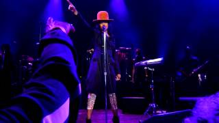 "Erykah Badu - ""Penitentiary Philosophy"" & ""Did'nt cha know"" -  Live in Chicago - 3/29/2013."