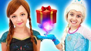 Little Princess Elsa has some Gifts for her Sister Anna   Super Elsa