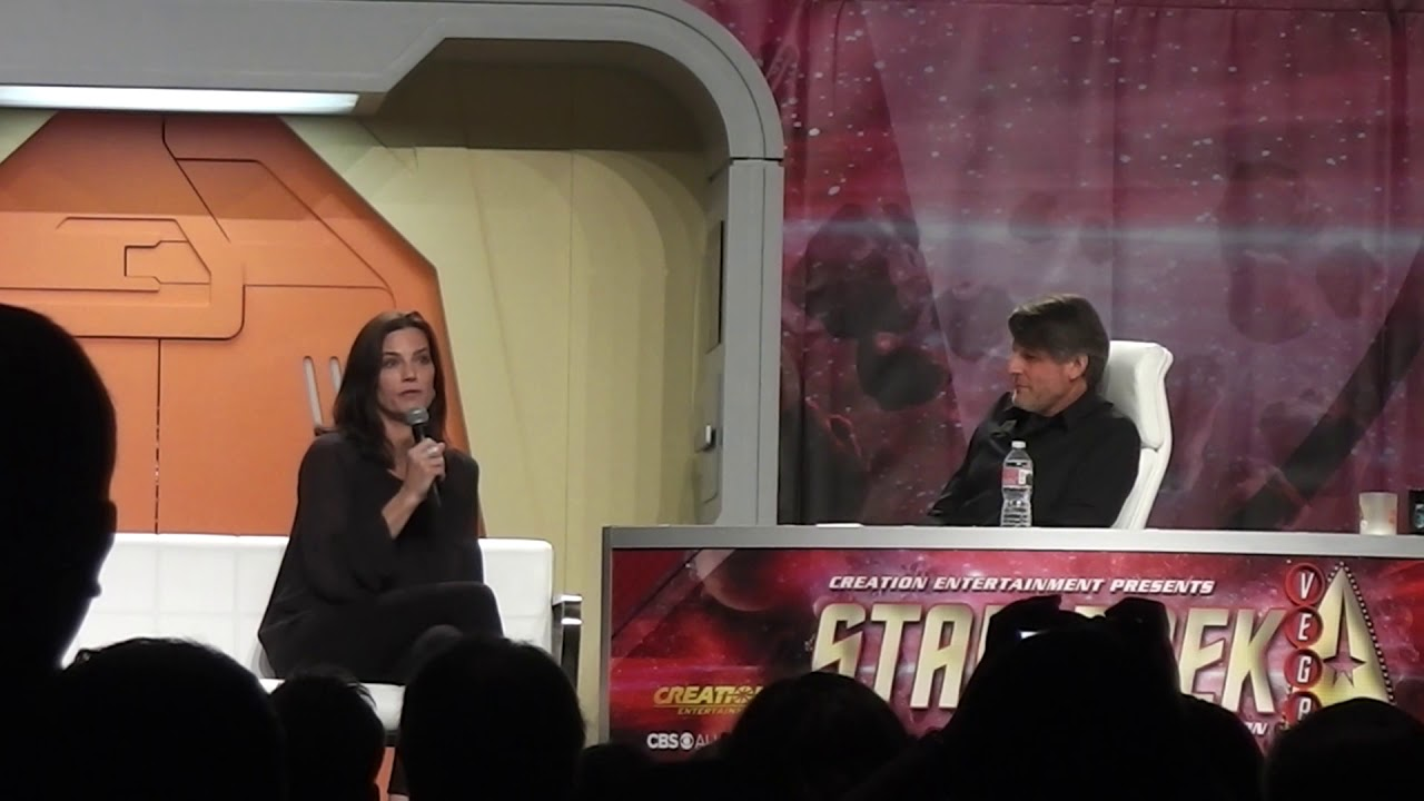 Download Terry Farrell at the 2017 Star Trek Convention