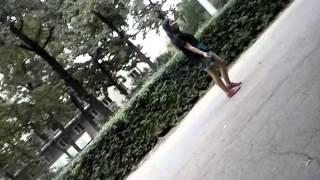Пианые девушки в парке