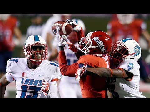 Fresno State stays undefeated in Mountain West play.