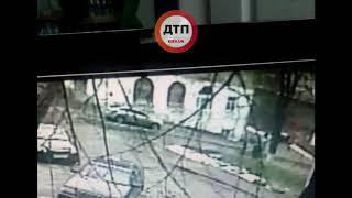 ВИДЕО аварии в Киеве: Пьяный водитель Шкода задавил ребенка  ДТП в Киеве на Кустанайской