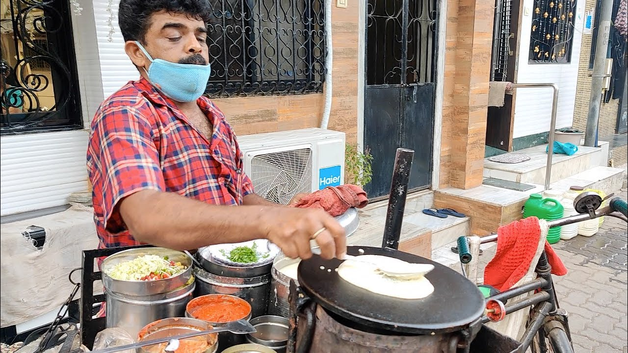 Download Mumbai Man Selling Dosa on Cycle from 25 Years | Indian Street Food
