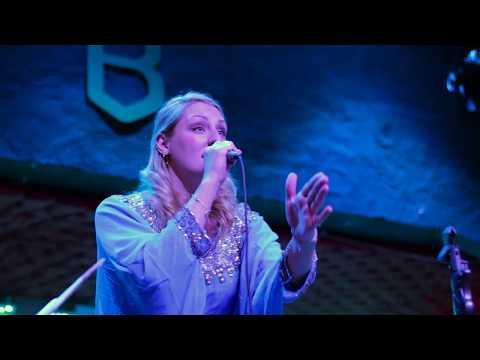 Música Impopular com Alice Zawadzki