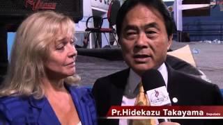 Pastor Takayama HUMILHA a esposa ao vivo