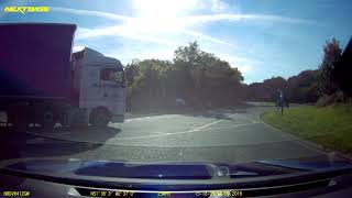 2018-09-28 - truck almost fails to stop at junction