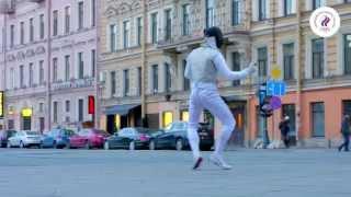 видео Олимпийские чемпионы Рио по фехтованию на саблях и рапирах прилетели в Москву