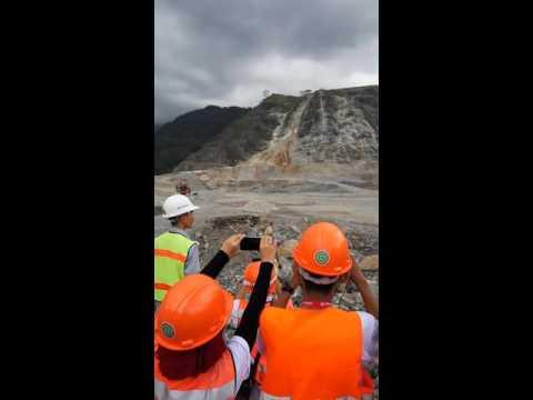 Proses Blasting (Peledakan) Batu Kapur PT. Semen Padang