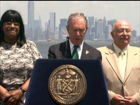 Mayor Bloomberg Breaks Ground on Construction of New Stapleton Waterfront Development
