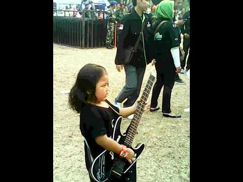 Rhoma Irama ft Raden Irama-Perbedaan