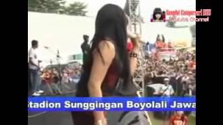 SERA VIA VALLEN GOYANG MORENA Dangdut Hot Koplo Terbaru