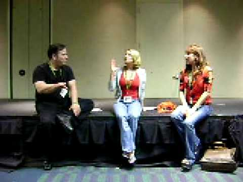 Ami Dolenz and Darcy Demoss Girls of Horror Panel at Megacon