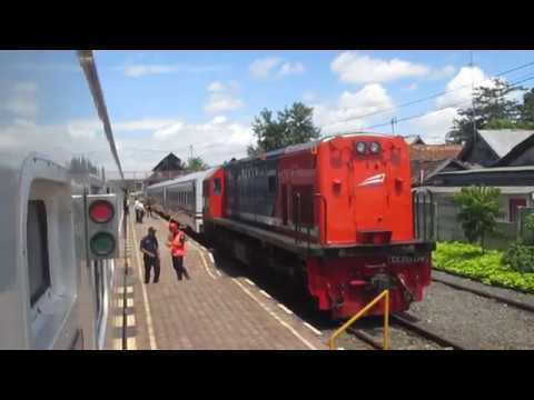 KA Seminung berangkat Stasiun Kotabumi
